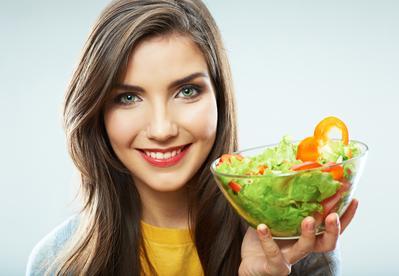 Atasi Masalah Jerawat Karena Hormon Dengan Makanan