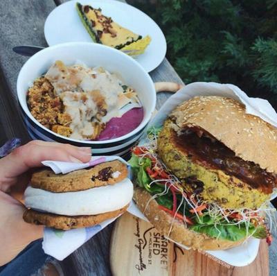 Cara Makan Junk Food Secara Sehat Saat Diet