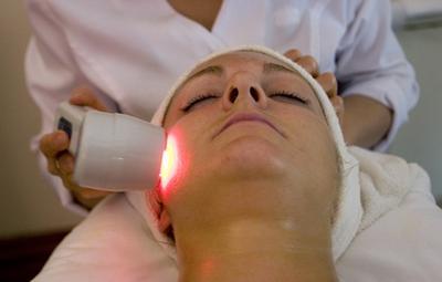 Hilangkan Noda Hitam dengan Treatment Laser Jerawat