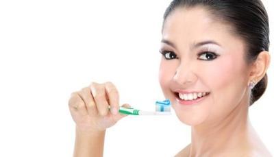 Kebiasaan Sehat untuk Mengatasi Bau Mulut Lebih Efektif