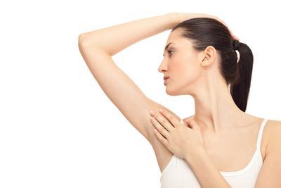 Perhatikan Kandungan Bahan untuk Mencegah Penyebab Bau Ketiak