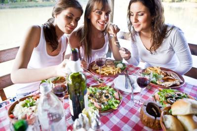 Tips Diet Tetap Terjaga Saat Makan di Restoran