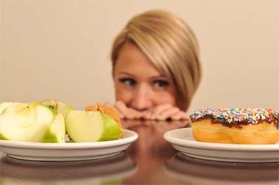 Pola Diet yang Salah Sebagai Penyebab Bau Mulut