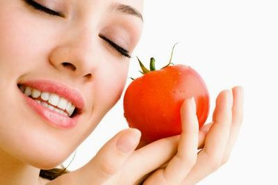 Cara Mengobati Jerawat Dengan Masker Tomat