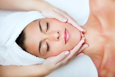 Facial Massage untuk Mendapatkan Wajah yang Cantik dan Segar