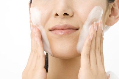 2. Facial Wash Khusus