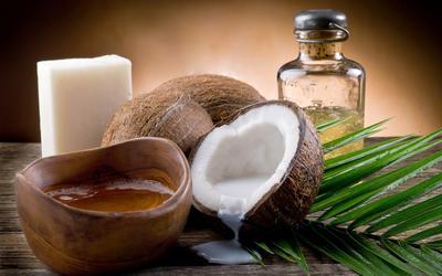 1. Kulit Jeruk & Minyak Kelapa