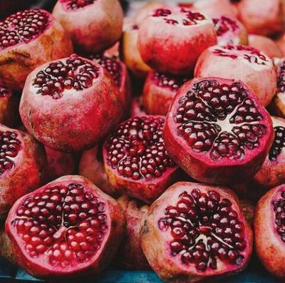 Manfaatkan Khasiat Pomegranate Melalui Produk Kecantikan Berikut