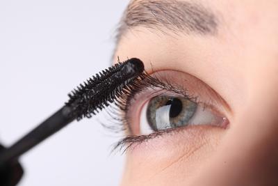 10 Cara Mudah Membuat Mata Lebih Besar