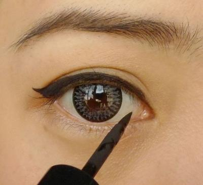 Liquid Eyeliner di Bawah Rp 100 Ribu