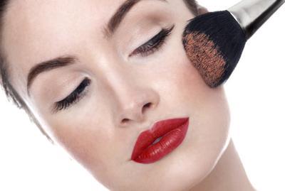 Tips Memilih Blush On Sesuai Warna Kulit