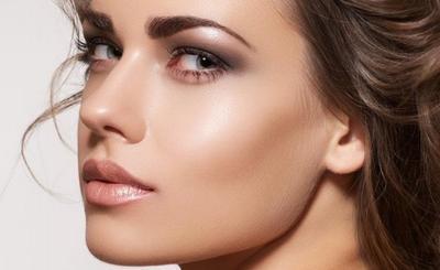 5. Akali Dengan Makeup