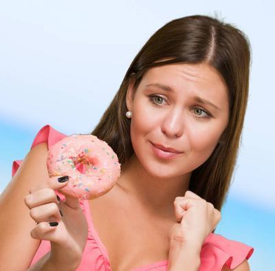 8. Hindari Terlalu Banyak Mengonsumsi Gula