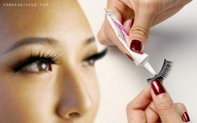 Trik Tampil Sempurna dalam Menggunakan Bulu Mata Palsu
