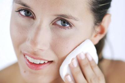 Sudahkah Kamu Membersihkan Makeup Dengan Sempurna? Ini Tipsnya