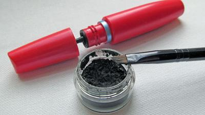 Cara Mendeteksi Makeup yang Sudah Rusak