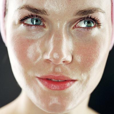Tips Makeup untuk Pemilik Kulit Berminyak