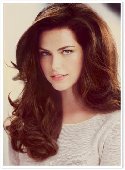 10 Produk Terbaik untuk Mengembangkan Rambut Tipis & Lepek