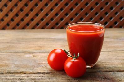 Jus Tomat untuk Penampilan yang Segar