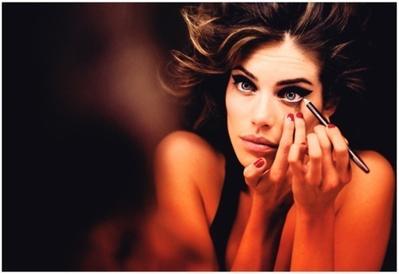 Tips Mengaplikasi  Eyeliner Liquid Bagi Pemula