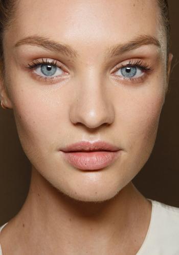 Tips Skincare untuk Wajah Cerah Bersinar