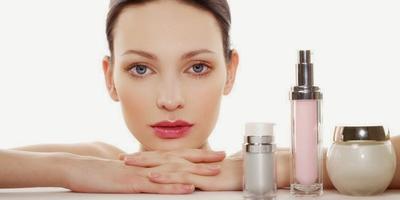Tips Memilih Produk Kosmetik yang Aman untuk Kulit