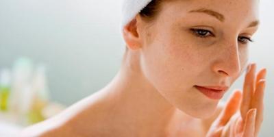 6 Cara Menghindari Flek Hitam pada Wajah