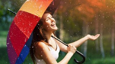 Tips Menjaga Kelembaban Kulit Selama Musim Hujan