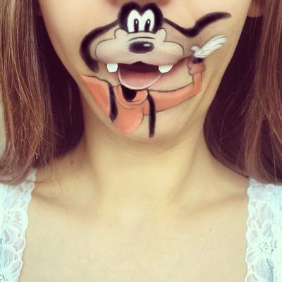 12 Kreasi Makeup Wajah Lucu ala Laura Jenkinson