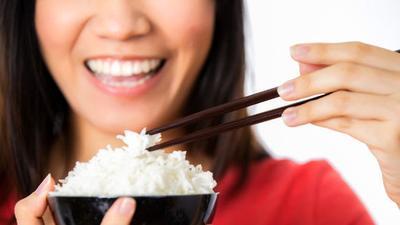 6. Terlalu Banyak Mengonsumsi Karbohidrat