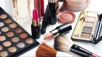 7 Peralatan Makeup Wajah yang Wajib Dimiliki untuk Tampilan Natural