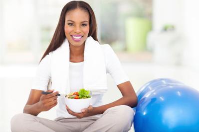 Tidak Mengonsumsi Makanan Setelah Berolahraga