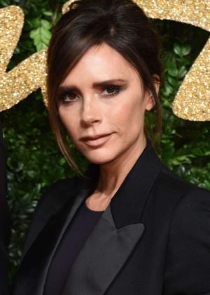 Tampilan Makeup Victoria Beckham