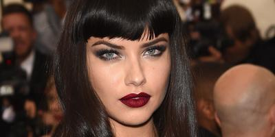 Tampilan Makeup Adriana Lima