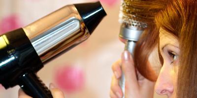 Penggunaan Hair Dryer yang Salah