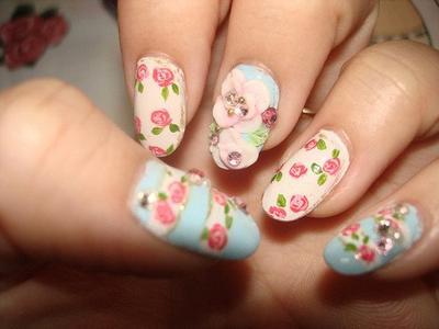 Berikut ini 8 inspirasi nail art bunga yang cantik (bagian 2) yang mungkin saja bisa menjadi inspirasi hiasan untuk kukumu: