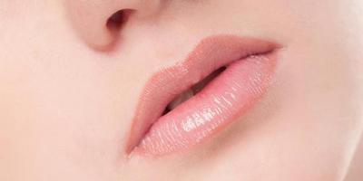 Tips Rawat Bibir Kering Jaudh Dari Masalah Pecah-Pecah