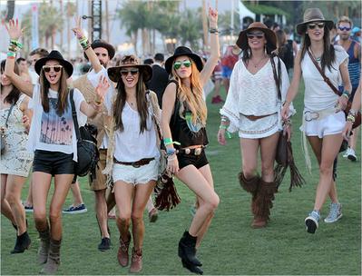 Panduan Fashion untuk Menonton Konser
