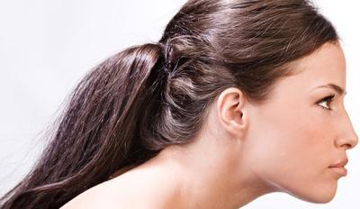 5. Terlalu Banyak Menggunakan Hair Styling Product