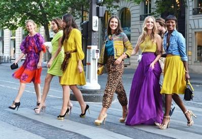 Tips Fashion: Menggunakan Warna-Warna Cerah