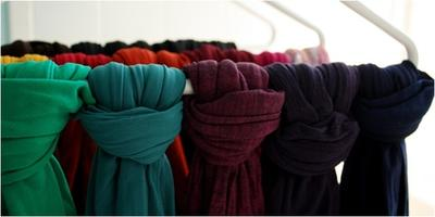 Tips Menyimpan Koleksi Jilbab Agar Tetap Rapi & Tidak Kusut
