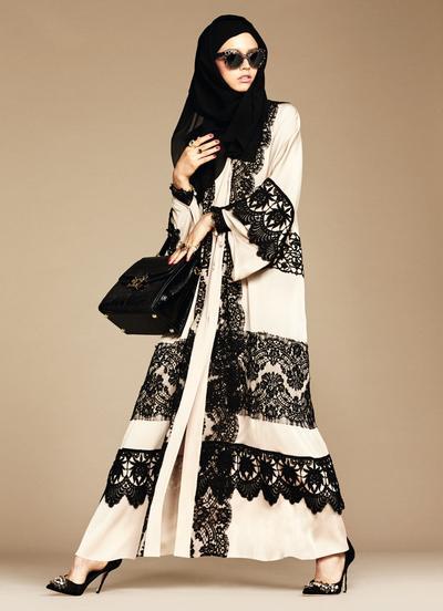 Perdana, Dolce & Gabbana Meluncurkan Koleksi Hijab & Abaya