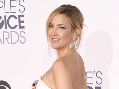 Rahasia Kate Hudson Tampil Cantik Natural dalam People's Choice Award 2016