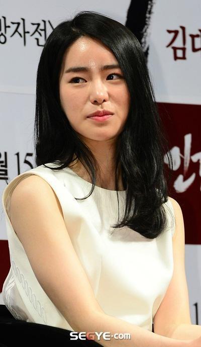 Lim Ji Yeon in - High Society