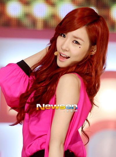 Inspirasi Gaya Rambut Dari Tiffany SNSD Life Beautynesia - Gaya rambut ala girlband korea
