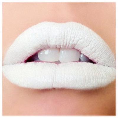 Terakhir, Lipstik Warna Putih