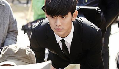 2. Dara Penggemar Berat drama You Who Came From The Stars