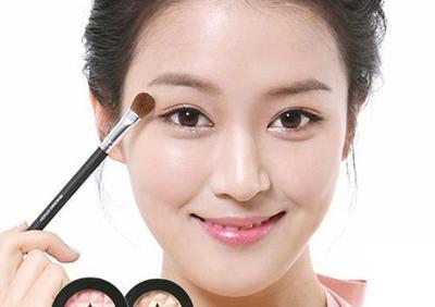 Cantik Dengan 5 Makeup Ini