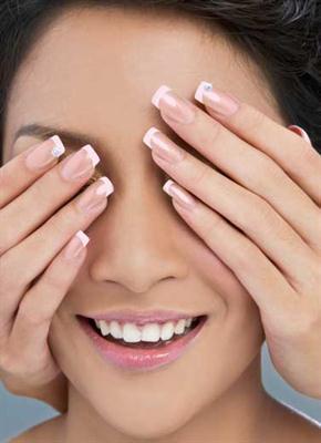 Cara Melakukan French Manicure di Rumah