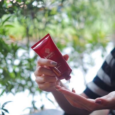 Cara Mengaplikasikan Naturecia Brightening Exfoliator